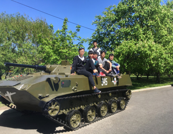 Students from China visited Victory Park on Poklonnaya Gora