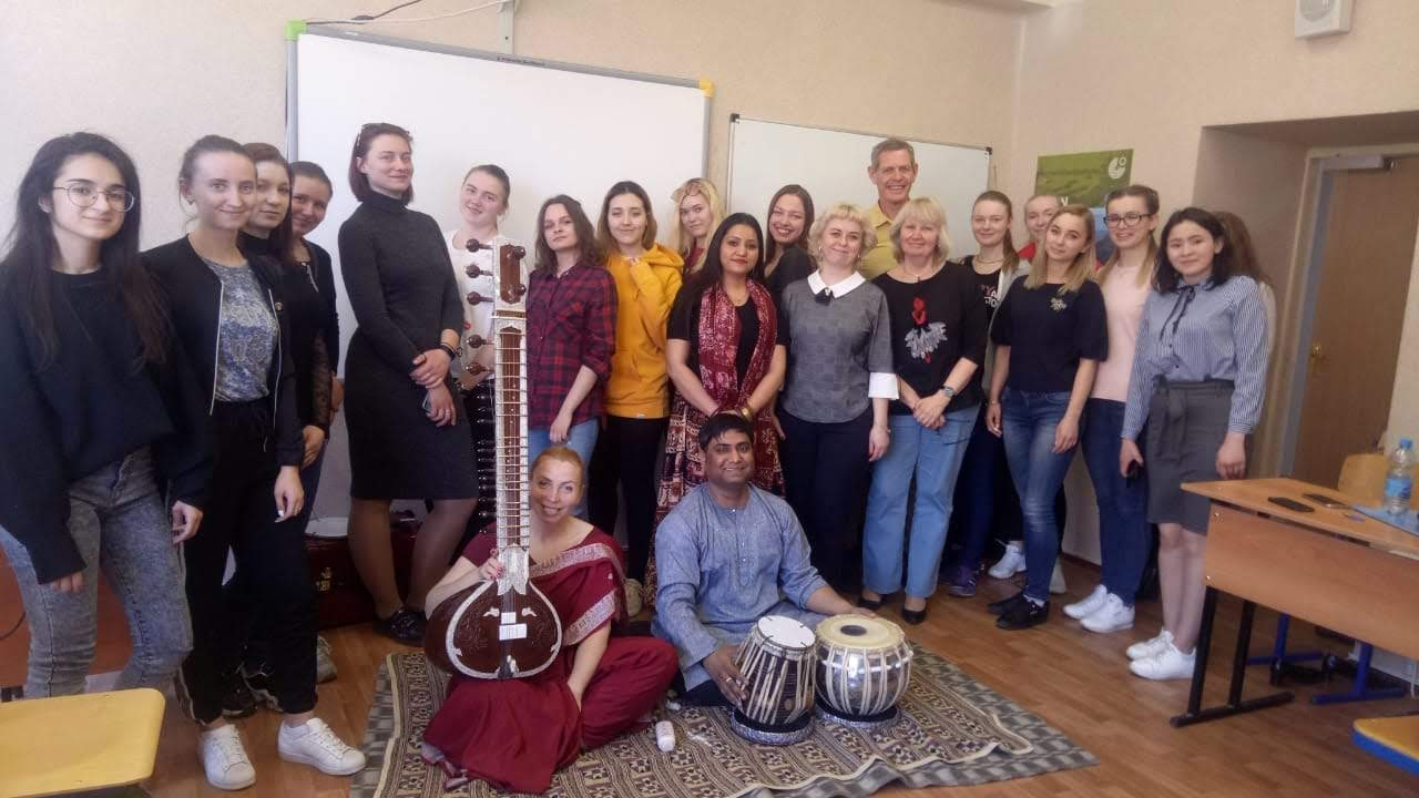 Workshop dedicated to Indian classical dance and vocal music took place at Moscow region state university